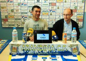 José Zapatera, entrenador de la Arandina, en una rueda de prensa. Foto: Arandina CF