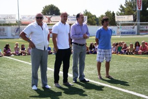 Vicent Marí toma la palabra junto a Pepe Reina, Labi y Juan Marí. Fotos: C. V.