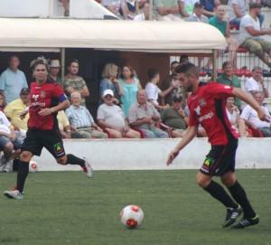 Unos 150 aficionados del Formentera tienen previsto desplzarse al campo de la Peña para ver el partido. Foto: V. R.