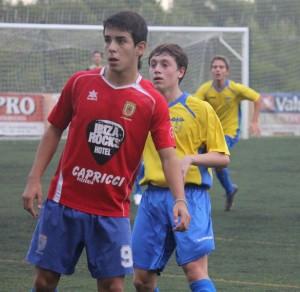 Víctor Álvarez, en un partido de la pasada temporada del Portmany. Foto: Fútbol Pitiuso.