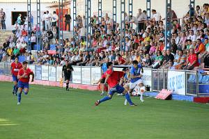 Un partido del Villarrobledo ante el Manzanares disputado en el estadio Nuestra Señora de la Caridad.