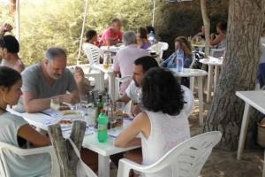 Zubizarreta, comiendo en sa Platjeta, Formentera