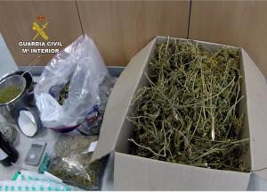 La Guardia Civil se incautó de cuatro kilogramos de marihuana, entre otras sustancias. Foto: Guardia Civil
