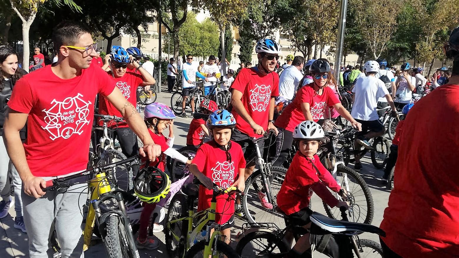 Las bicicletas toman la ciudad   Noudiari.es