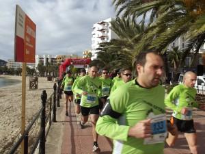 Antoni Marí, a la derecha de la imagen, en la carrera Extrem con final en el Puig de Missa