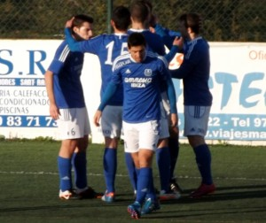 Los jugadores del San Rafael celebran un gol en un partido de Liga. Foto: C. V.