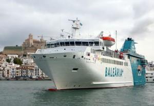 La naviera Baleària ofrece un precio especial de 20 euros por trayecto a los residentes que viajen con vehículo. Foto: Balearia.com