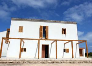 El curs tindrà lloc a Can Marroig, al Parc Natural de Ses Salines de Formentera.  Foto: consellinsulardeformentera.cat
