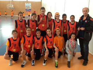 Maika, sexta en el campeonato de España, con el equipo alevín femenino de Sa Real.