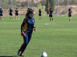 Yaiza Pérez, en un entrenamiento con la selección española Sub 17.
