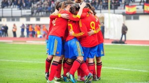 Las jugadoras españolas celebran el gol del empate ante Francia de María Caldentey.