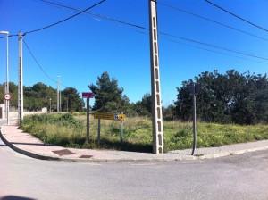 Los terrenos de la disputa están situados en Cap Martinet, frente al edificio de Aqualandia. Foto: Soldat
