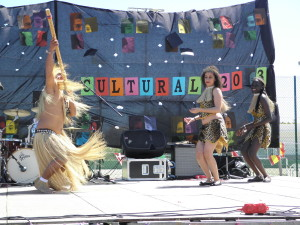 Baile peruano en acción.
