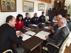 Durante el encuentro, la Guardia Civil ha asegurado que su plantilla está completa y se mantendrá así durante el verano.