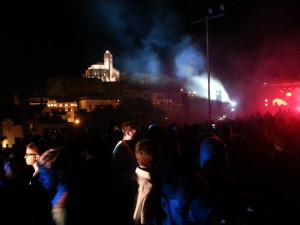 La Catedral, observando al público bailando 'Más allá del boom boom', como reza el lema del IMS. Foto: Aina Balaguer