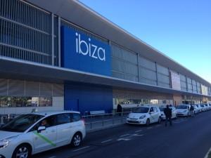 Imagen de uno de los accesos al aeropuerto de Ibiza.