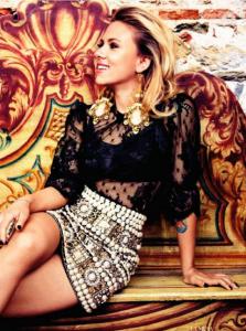 64ae9b73f355 La actriz Scarlett Johansson posa para Vogue con unos pendientes de Pomar Joyas  de Ibiza.