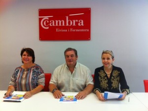 Lourdes Cardona, Vicente Torres y Dolores Tur, durante la presentación de las páginas web.