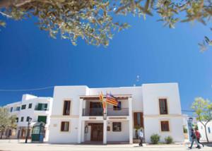 Cada un dels quatre partits amb representació a la màxima institució formenterera (Gent per Formentera, PP, PSIB i GUIF) rep una assignació fixa anual de 12.960 euros. Foto: Consell Insular de Formentera.
