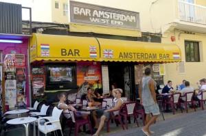 El bar Amsterdam, en Sant Antoni, donde trabajó Michaella junto a Andrés García.