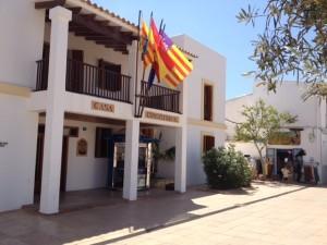 El Consell ha avançat que la generació total de residus de l'any 2013 a Formentera ha estat de 8.728.45 tones, el que suposa 358 tones menys que a 2012. Foto: R. Beltrán