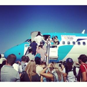 El avión fletado por Ron Barceló se llenó para volar este martes a Ibiza para participar en la fiesta Desalia.