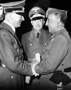 ¿Que estatura tenían Franco, Stalin, Churchill, Mussolini? Encuentro-de-Hitler-y-Franco-en-Hendaya-el-23-de-octubre-de-1940-Wikimedia-commons-237x300