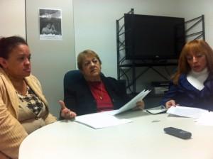 Alda Yurramendi, en el centro, portavoz de la Plataforma por la Convivencia. Foto: D.V.