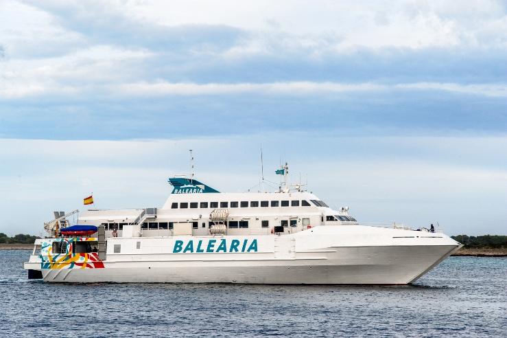 Imatge de la nau que cobrirà el trajecte Dénia-Formentera. Foto: Baleària.