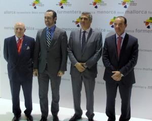 Foto oficial amb Abel Matutes, José Ramón Bauzá, Adolfo Utor i Jaume Ferrer. Foto: Baleària.
