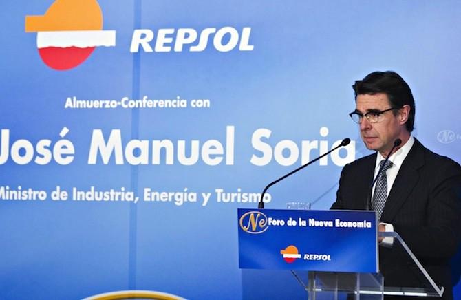 El ministro José Manuel Soria en un acto auspiciado por Repsol. Foto: Ministerio de Industria, Energía y Turismo.
