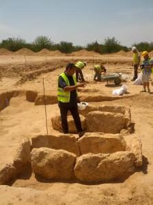En la imagen, varias de las 18 tumbas de la necrópolis de Can Malalt