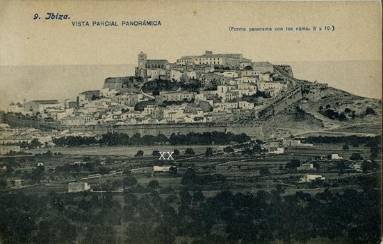 L'antiga casa de can Bellet quan encara la xarxa de carrers de Vila no estava formada; això era l'inici del pla de Vila. Està marcada amb dos x.  Foto: Arxiu d'Imatge i So Municipal d'Eivissa (AISME)