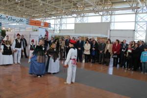 El ball pagès formó parte de las actuaciones del Día de Balears. Foto: Consell d'Eivissa
