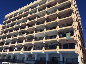 Imagen de archivo de un edificio de viviendas en Sant Antoni.