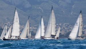 La salida desde Dénia se dio a las 14.00 horas y los barcos más rápidos llegarán de madrugada.
