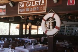 Una imagen del interior del Restaurant Sa Caleta.
