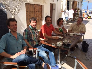 Juanjo Cardona rodeado de varios integrantes de GxE.