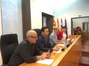 El alcalde Rafa Ruiz y los tenientes de alcalde de Vila, en un pleno municipal.