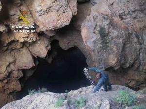 La Guardia Civil Rescata A Un Joven Atrapado En La Cueva De La Luz De Cala Aubarca Noudiari Es