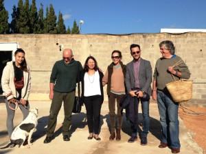 El alcalde de Eivissa, Rafa Ruiz, en la fiesta de Nadal en el Centro de Protección Animal de Sa Coma.