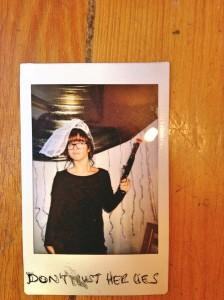 La autora de 'Gornú' en la boda de su amiga Eli.