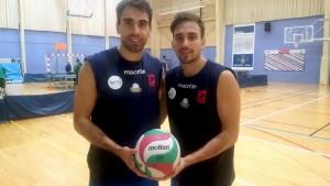Los exjugadores del Unicaja Jesús Bruque y Raúl Muñoz, antes del entrenamiento.