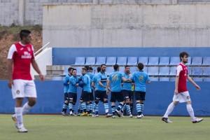 Los jugadores del Ciudad de Ibiza celebran la consecución de su primer tanto