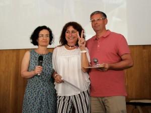 Paqui Torres i els professors Max Alcañiz i Anna Tur varen acudir al lliurament dels premis