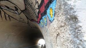 Una imagen del mural del mexicano Spaik en el túnel de la calle Joan Xico,