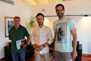 Rafa Ruiz, l'alcalde d'Eivissa,  acompanyat per Enrique Climent i Paco Vázquez.