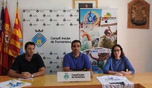 El conseller d'Esports, Jordi Vidal, ha presentat avui a la sala de Plens del Consell de Formentera la IV edició del Triatló Illa de Formentera que tindrà lloc el pròxim dissabte 8 d'octubre a Es Pujols.