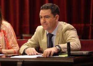 El diputado Miquel Jerez en el Parlament balear.