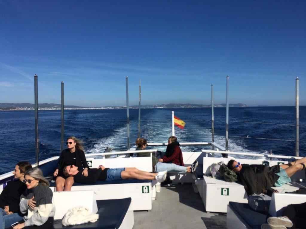 Travesía en barco de Aquabús entre Ibiza y Formentera